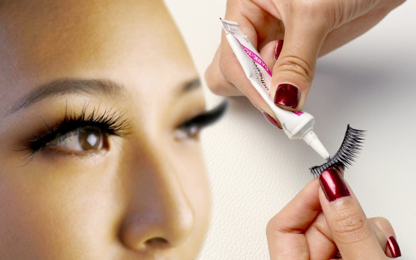 how to get eye lash glue off your gel nails photo - 2