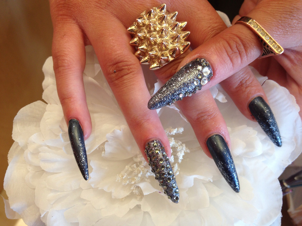 how to stiletto nails at home photo - 1