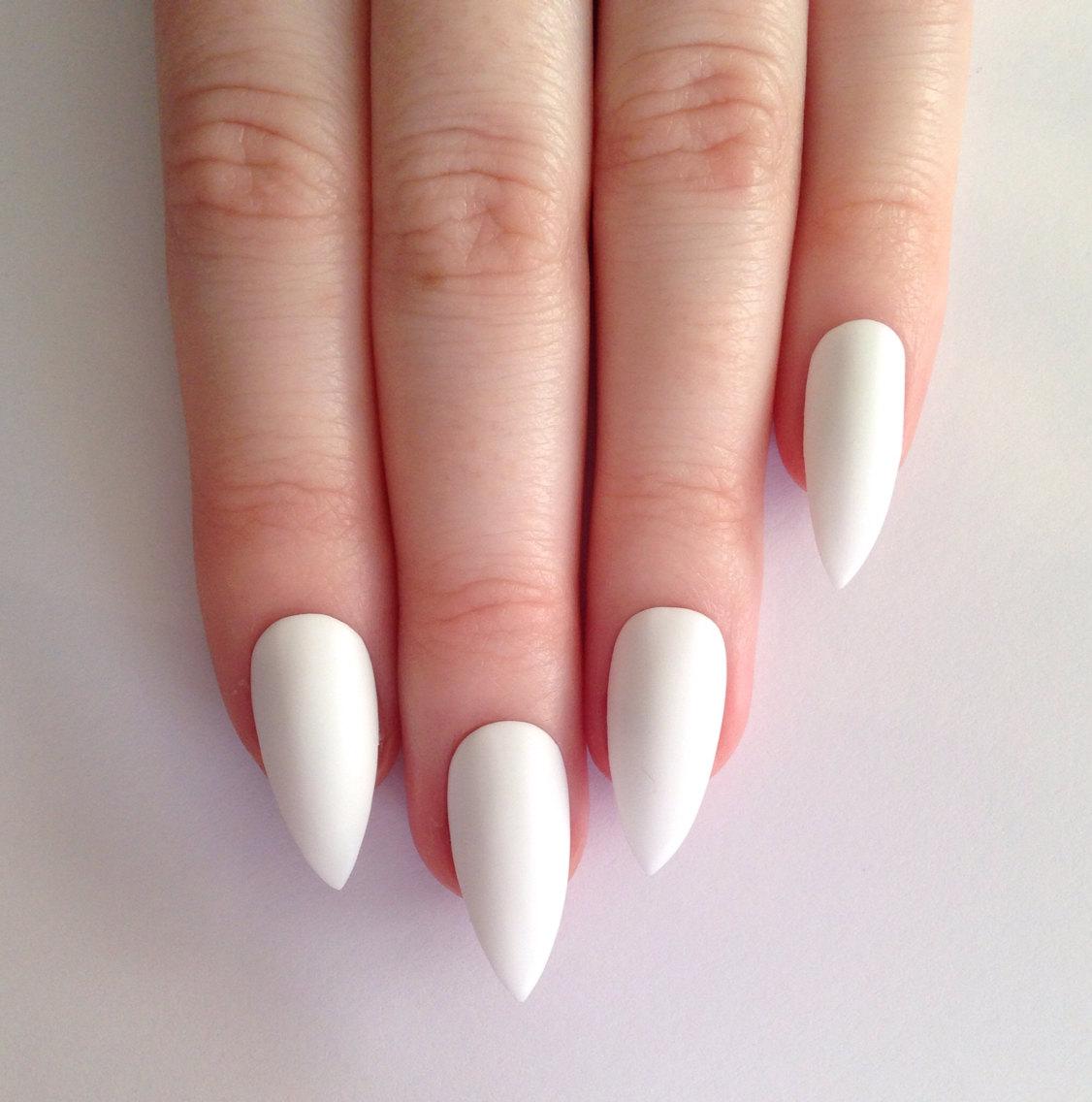 how to whiten white acrylic nails photo - 1