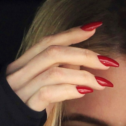 khloe kardashian coffin nails photo - 2