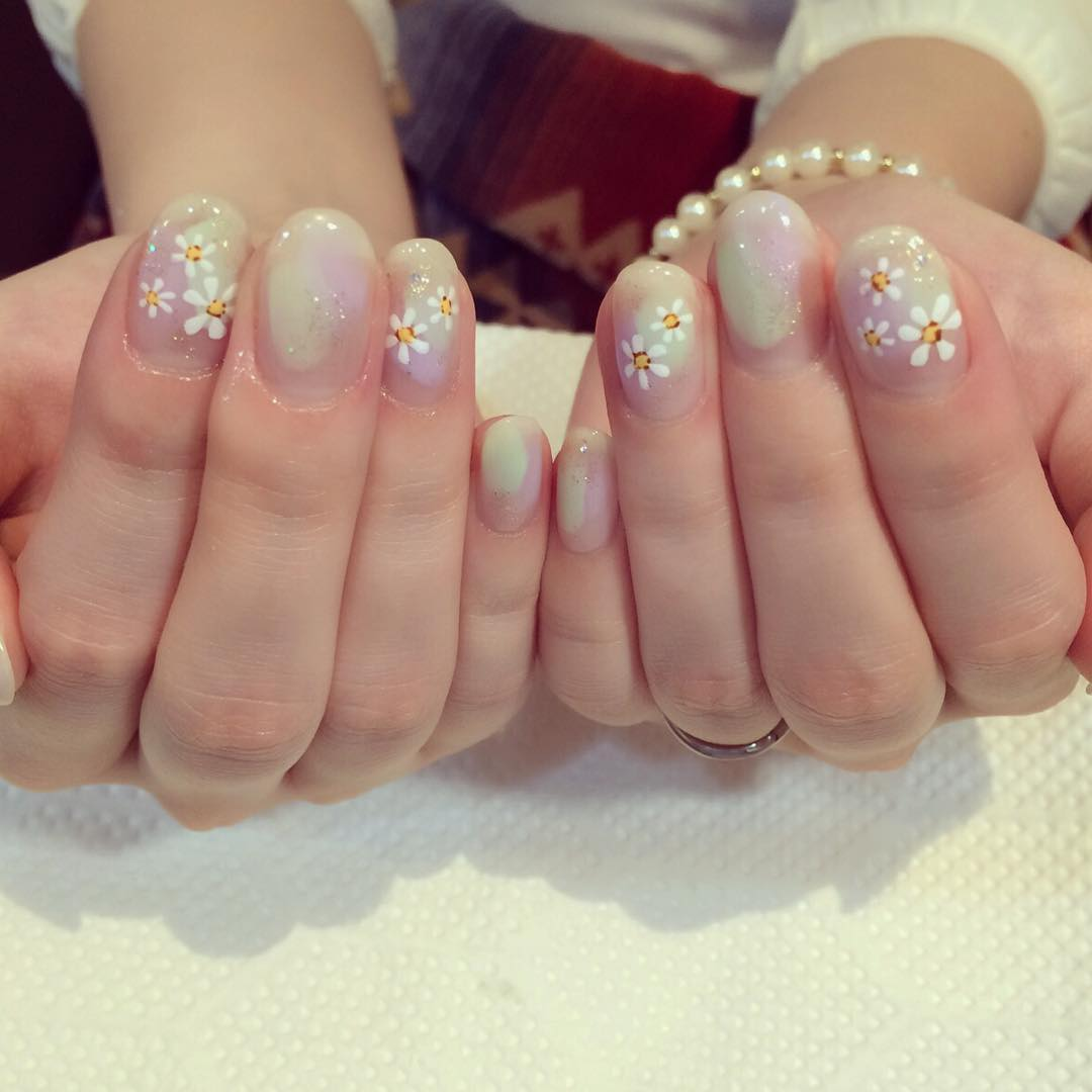 light color gel nails photo - 2