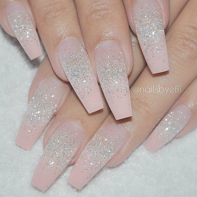 light peach acrylic nails photo - 2