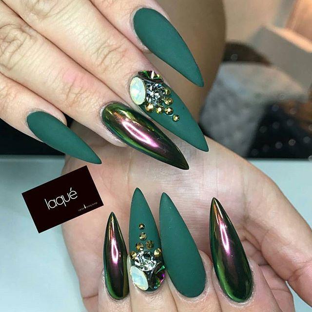 matte emerald green stiletto nails photo - 2