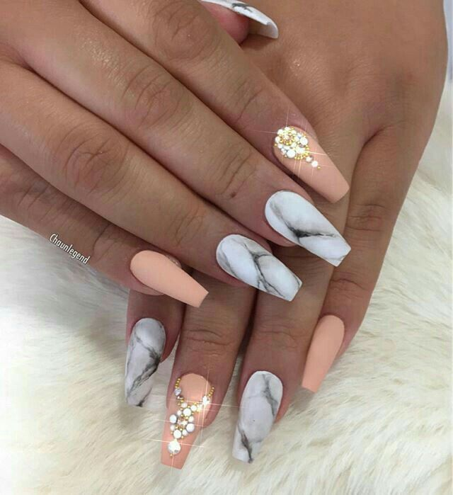 matte marble coffin nails photo - 2