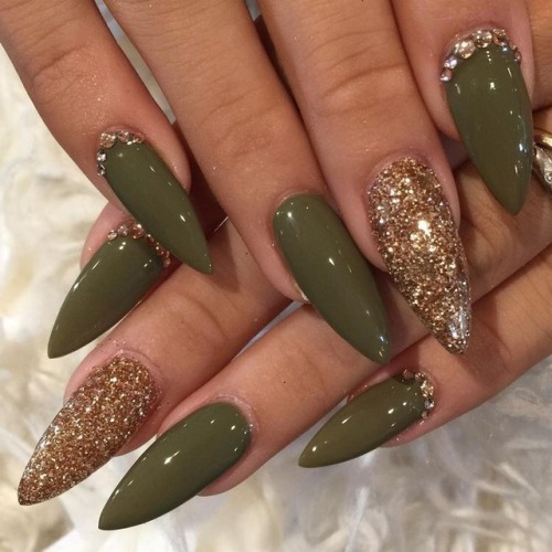 Military green acrylic nails with one glitter nail coffin