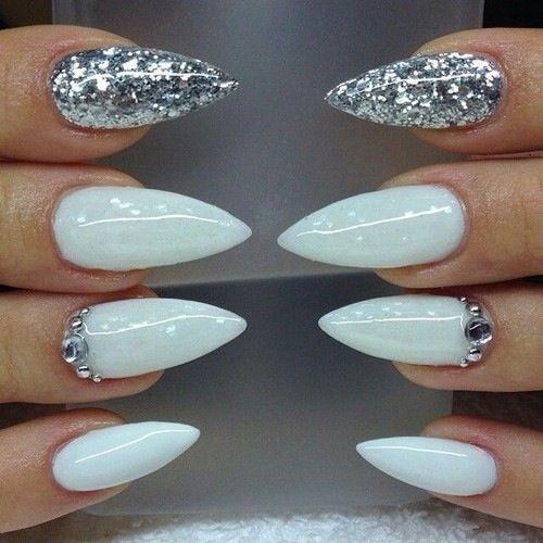 nails stiletto matte photo - 2