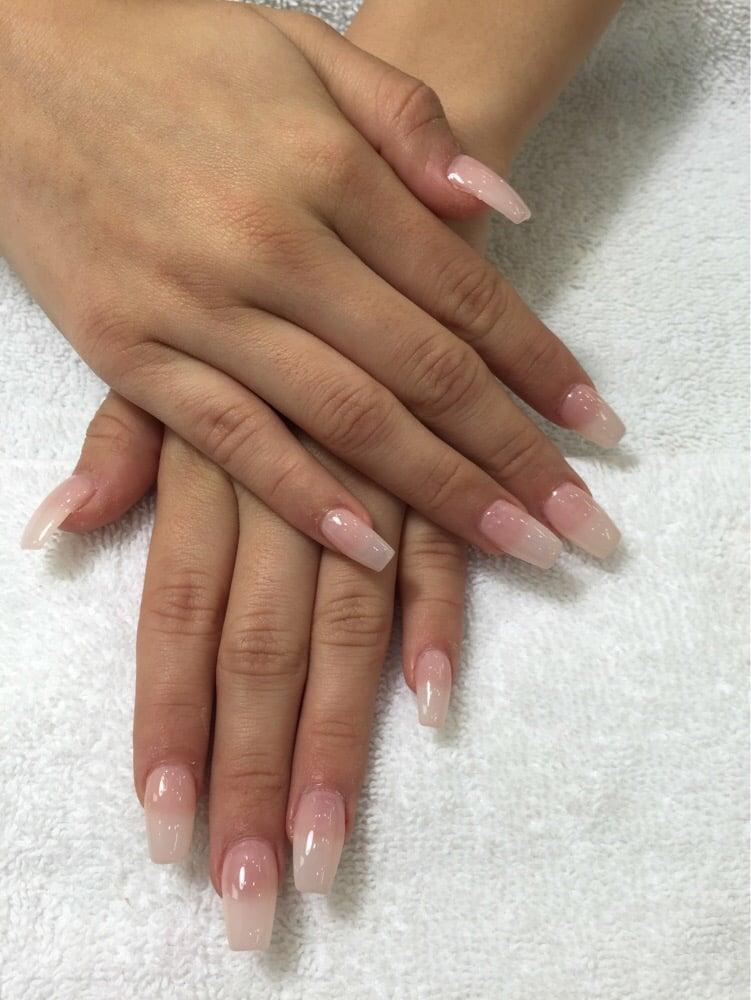natural acrylic nails coffin photo - 2