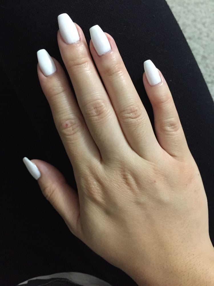 natural coffin shaped nails photo - 1