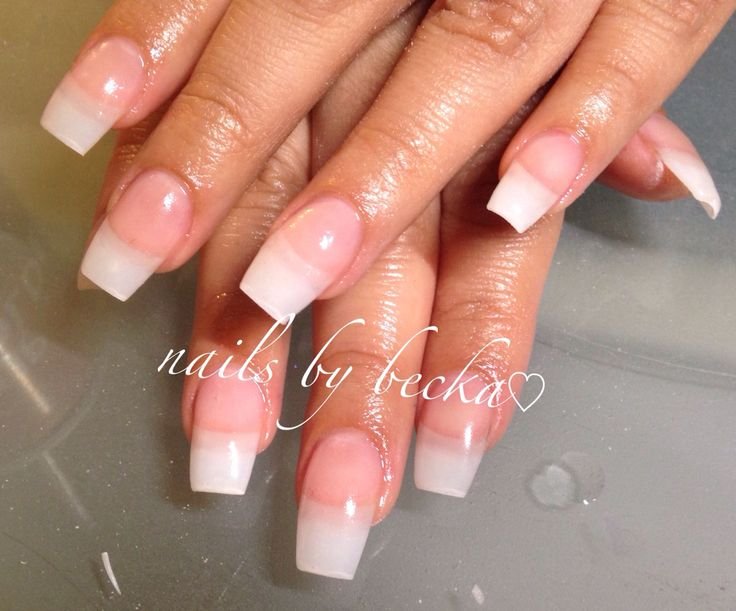 natural rounded acrylic nails photo - 1
