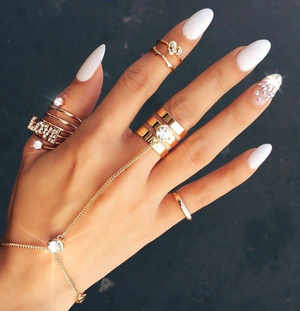 new style long pointed acrylic nails photo - 2