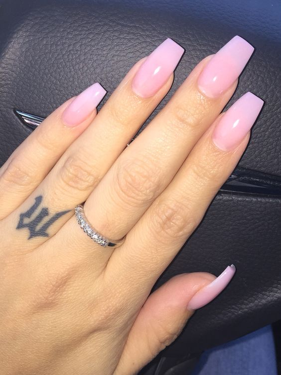 oval acrylic nails blush photo - 2