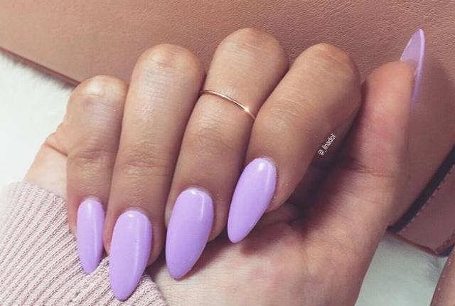 oval shaped acrylic nails photo - 1