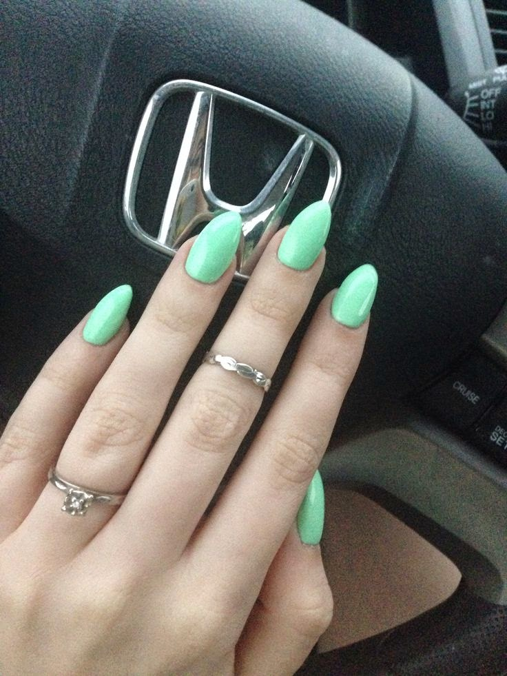 oval shaped acrylic nails photo - 2