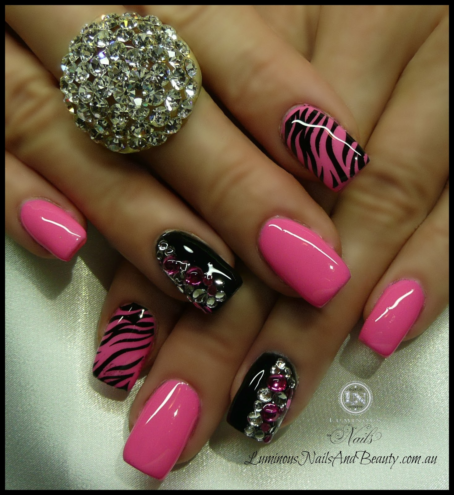 pink and black gel nails photo - 1