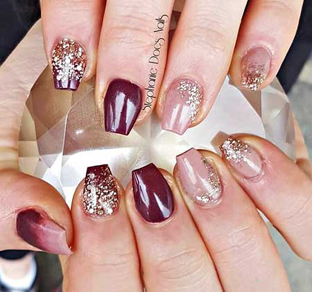 pink and gold acrylic nails photo - 2