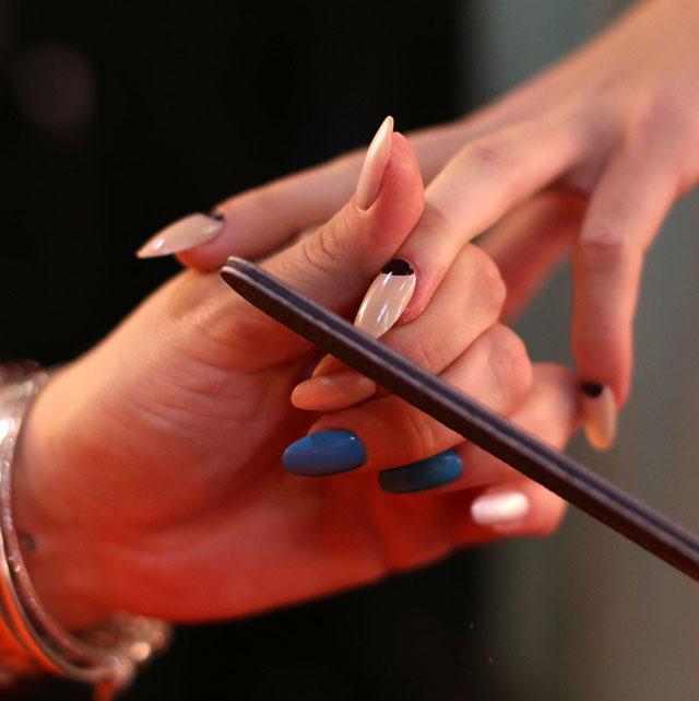 plain black stiletto nails photo - 2