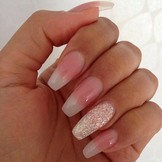 popular acrylic nails photo - 1