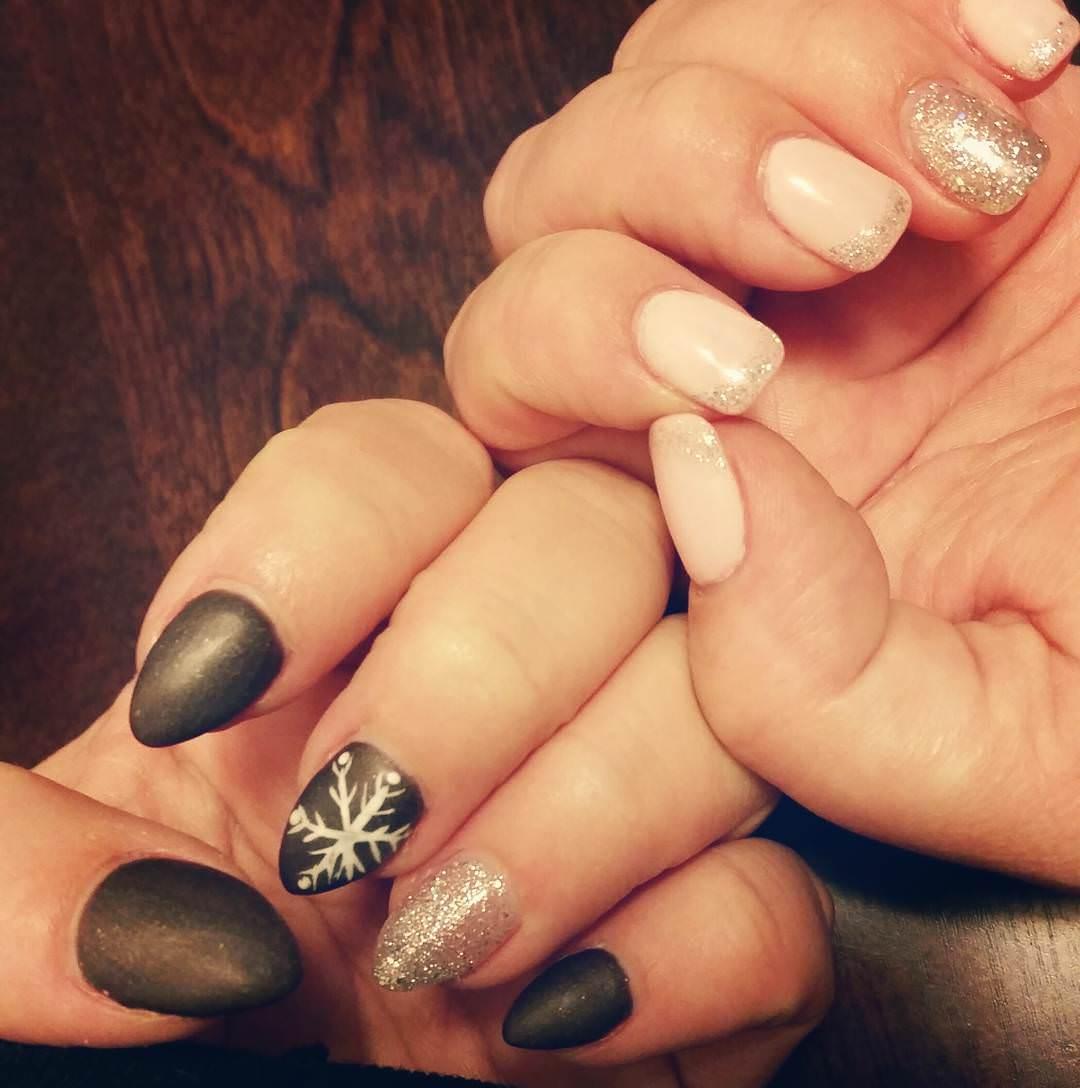 press on black stiletto nails photo - 1