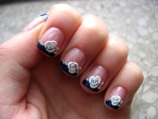 red acrylic nails with roses photo - 2