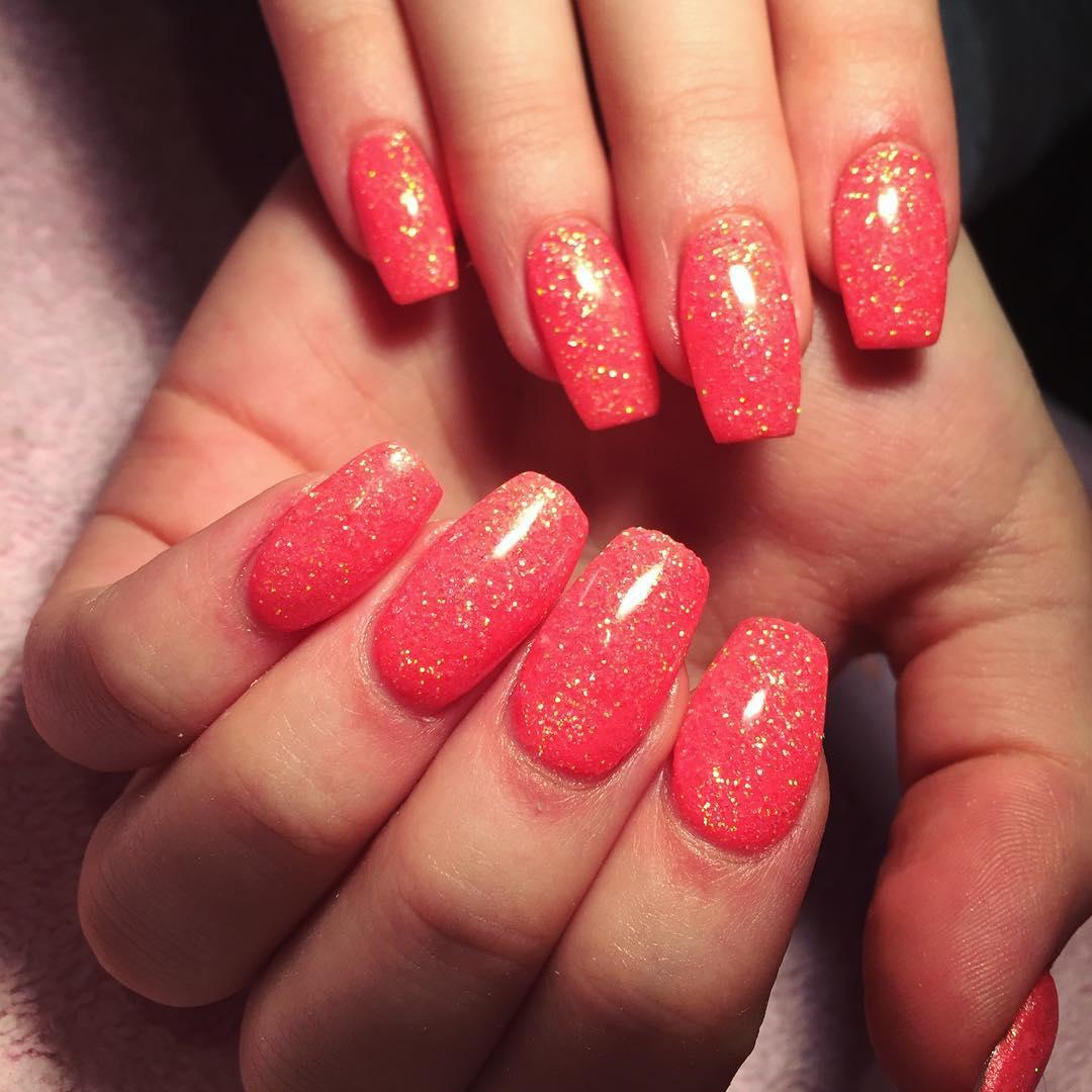 red glitter acrylic nails photo - 1