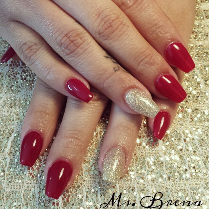 red white and gold coffin nails photo - 2
