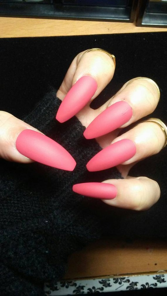 rose mauve coffin shaped nails photo - 2