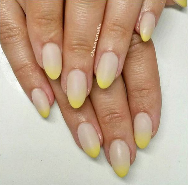 rounded coffin shaped nails photo - 1