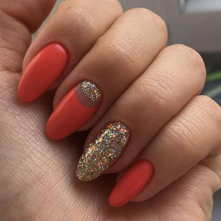 rounded coffin shaped nails photo - 2