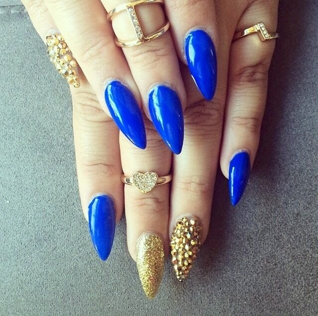 royal blue stiletto nails photo - 1