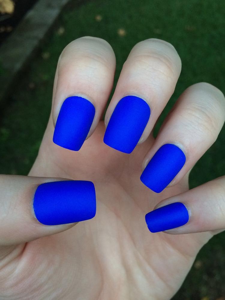 short acrylic nails blue photo - 1