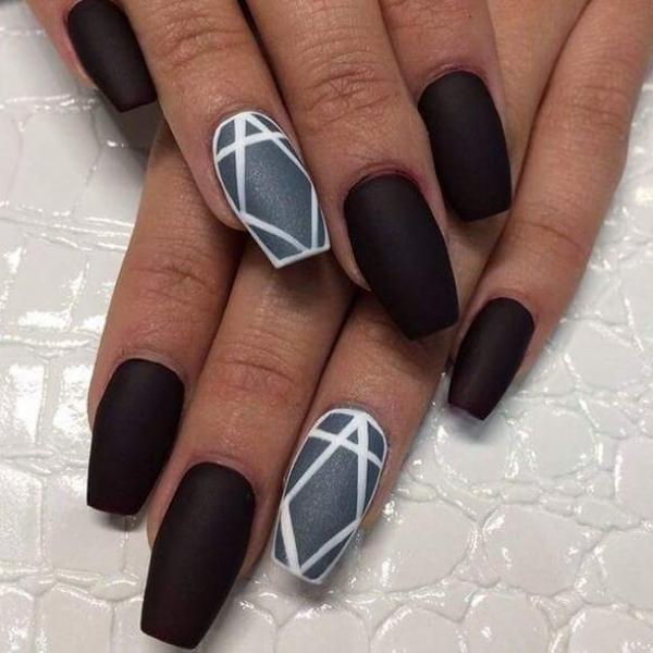 short stiletto nails matte photo - 1
