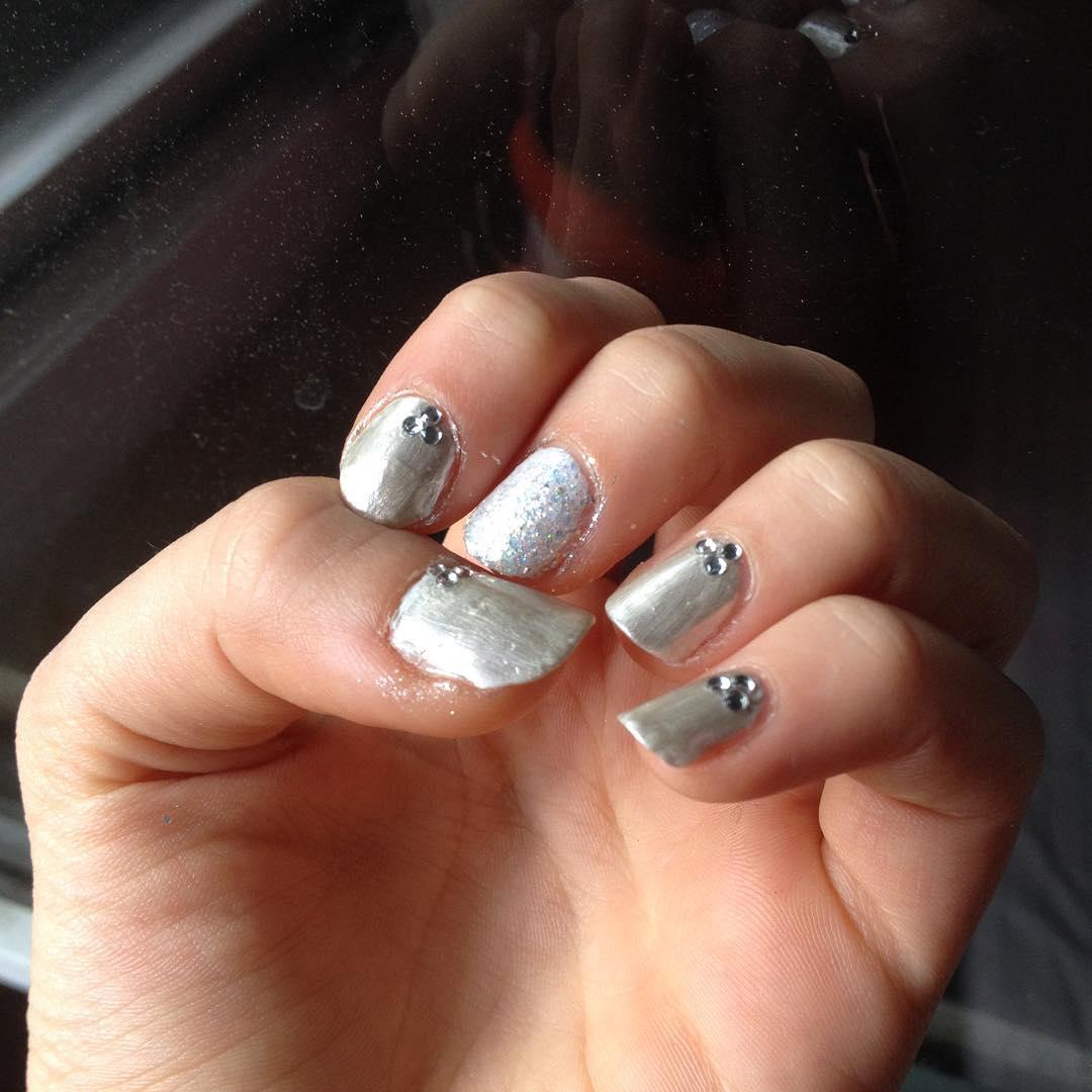 silver acrylic nails photo - 1