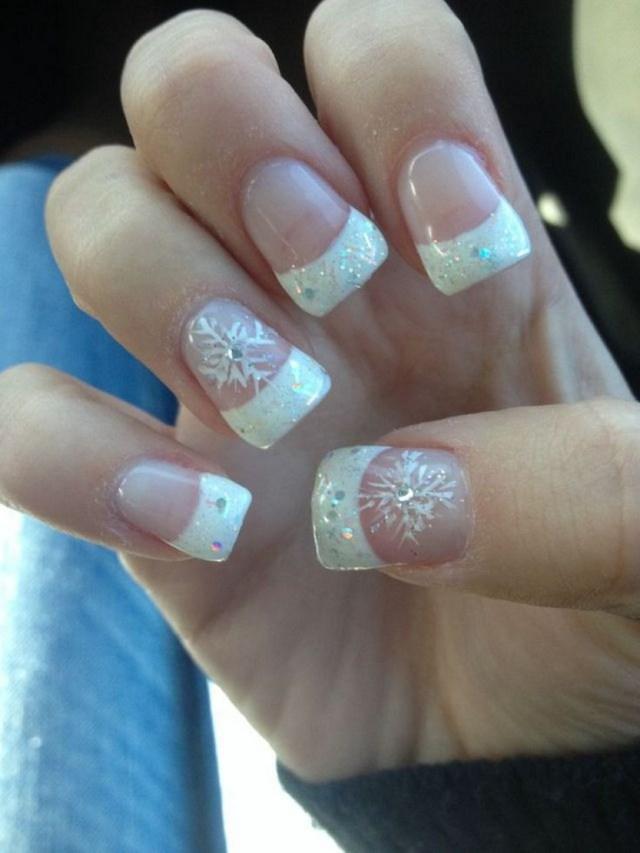 snowflake acrylic nails red photo - 2