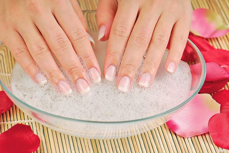 Soaking off acrylic nails - Expression Nails