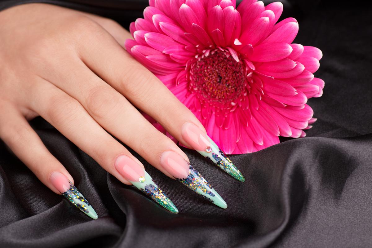 solar nails vs acrylic photo - 2