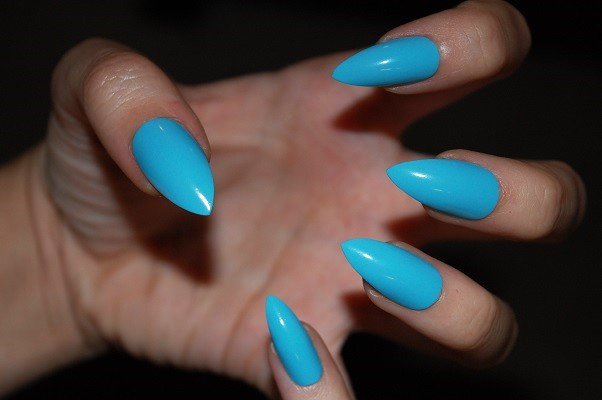 stick on nails stiletto photo - 2
