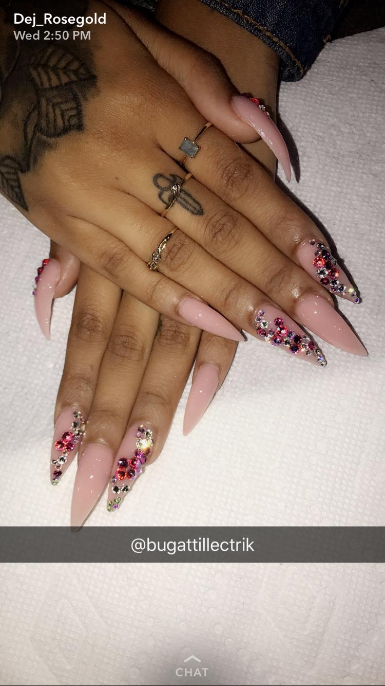 stiletto acryllic nails photo - 1