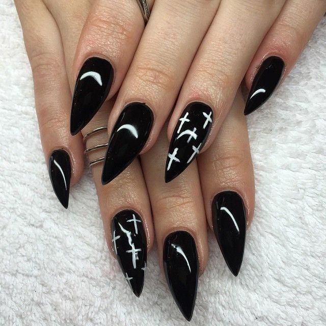 stiletto black fake nails photo - 1