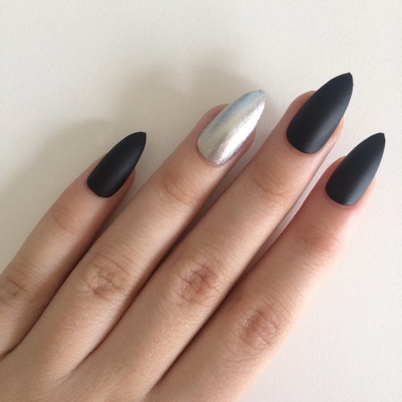 stiletto nails black and silver with accents photo - 2