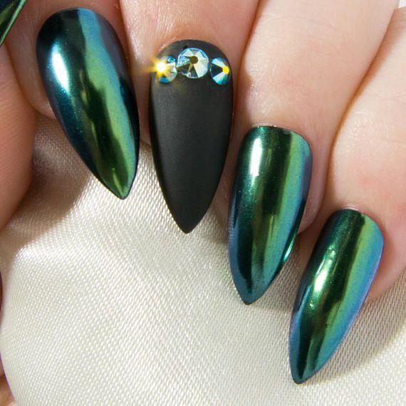stiletto nails emerald chrome photo - 1
