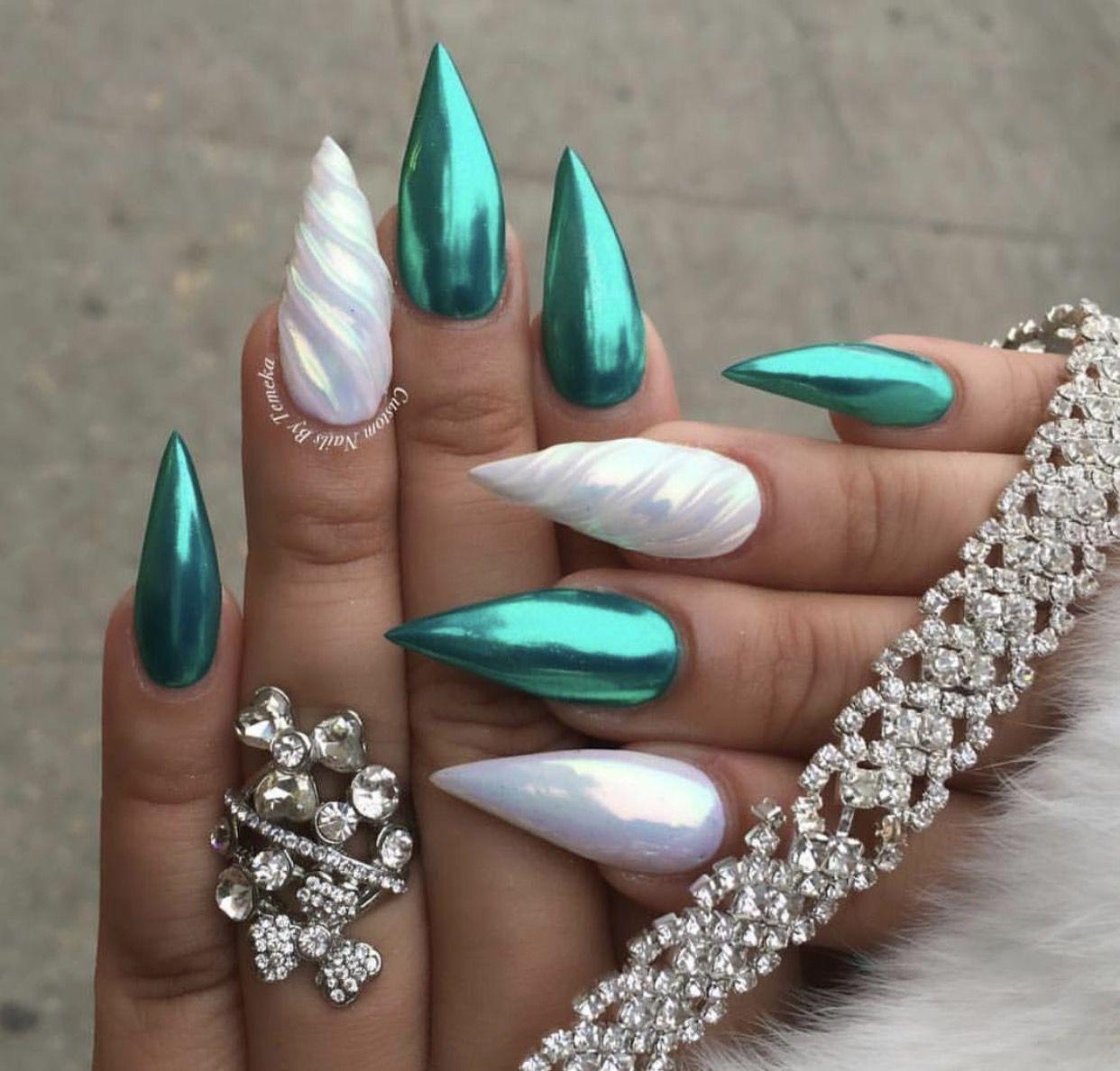 stiletto nails emerald chrome photo - 2