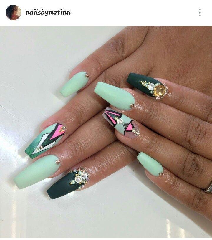 stiletto nails geo design photo - 1