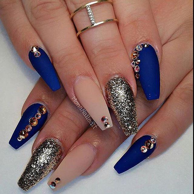 stiletto nails in chicago photo - 2