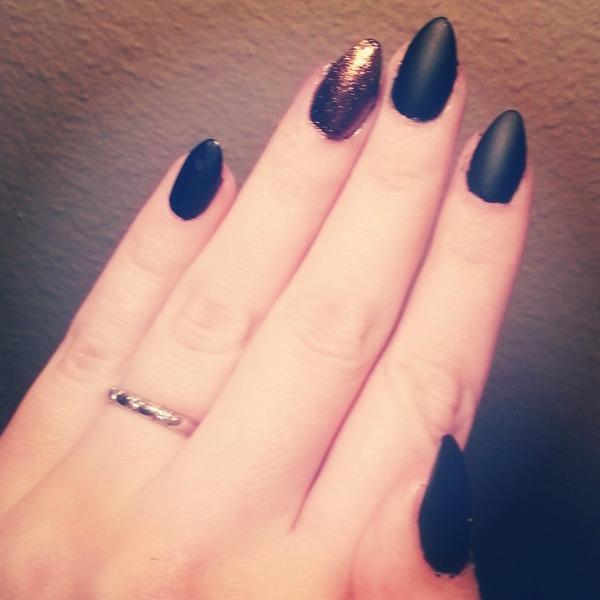 stiletto nails no acrylic photo - 1