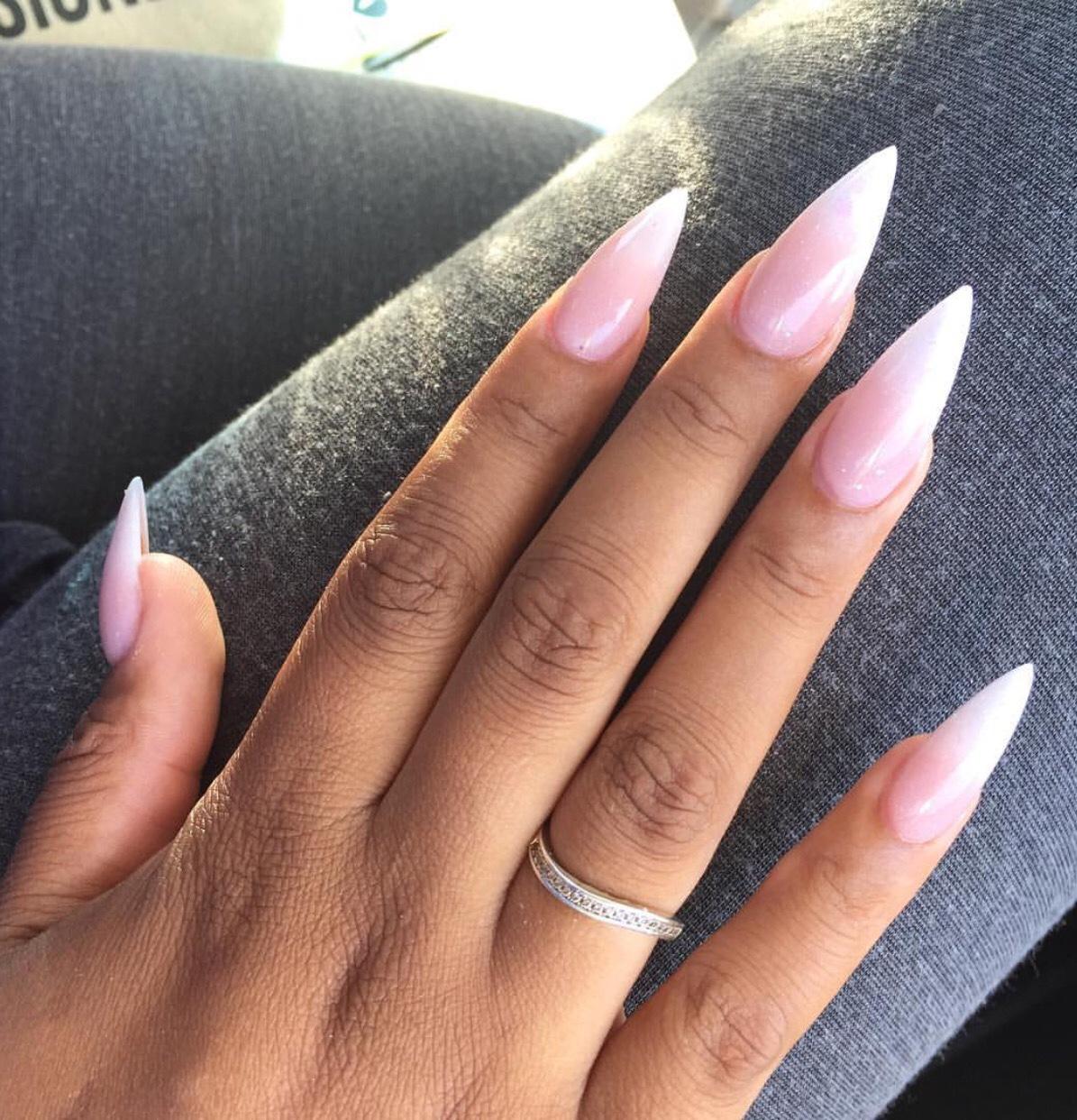 stiletto nails no acrylic photo - 2