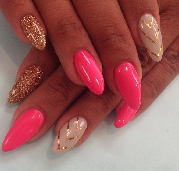stiletto nails pink and gold photo - 1
