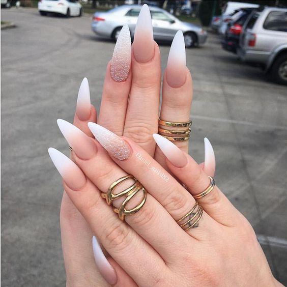 stiletto nails plain black photo - 1
