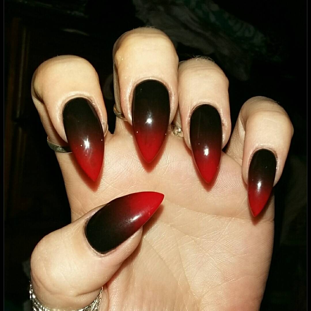 stiletto nails red and black photo - 1