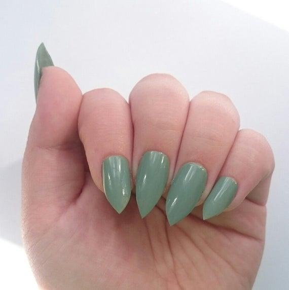 stiletto nails short mint photo - 1