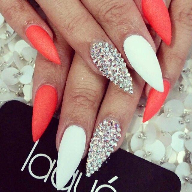 stiletto nails short white photo - 1
